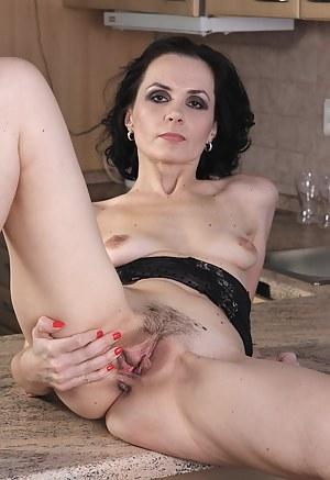 Mature pussy foto