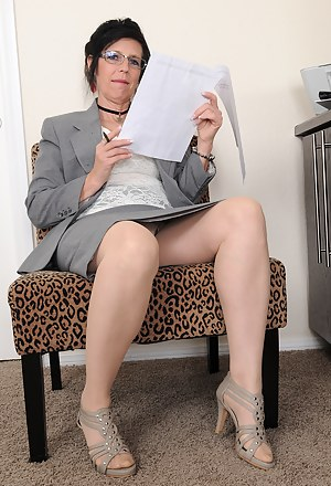 Share your Porn sites mature pantyhose beige assured