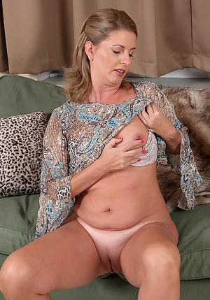 Opinion mature shaved cunt tubes