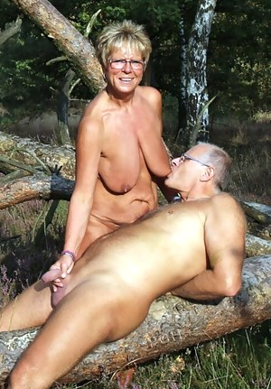 Free Mature Saggy Tits Porn Pictures