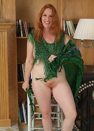 Female bodybuilders sucking cock