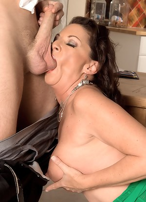 Free Mature Ball Licking Porn Pictures