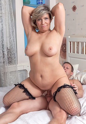 Free Mature Cowgirl Porn Pictures