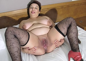 Free Mature Open Pussy Porn Pictures