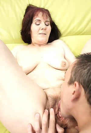 Free Mature Pussy Licking Porn Pictures