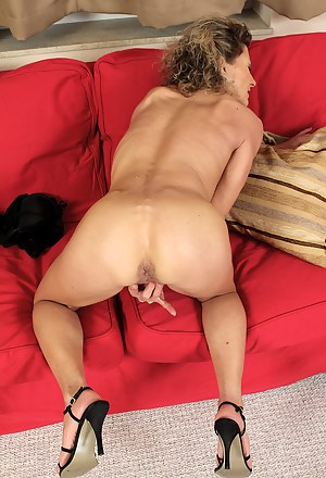 Free Mature High Heels Porn Pictures