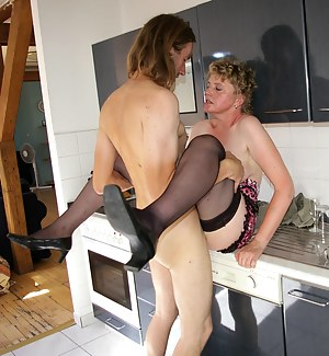 Pictures of naked girls having sex with boys