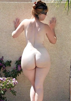 Big naked dark pleasure