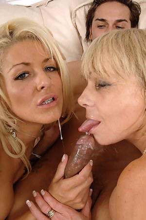 Free Mature Double Blowjob Porn Pictures