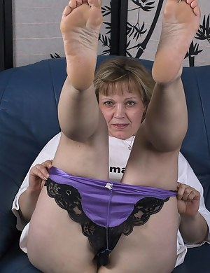 feet up Mature legs spread