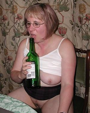 Cardi b butt naked