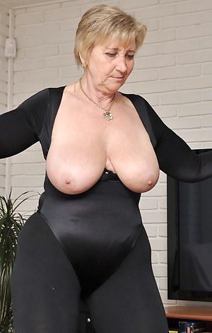 Free granny sex pics