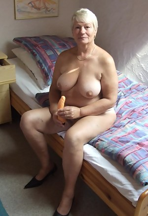 English naked old grannys with bigass — photo 6