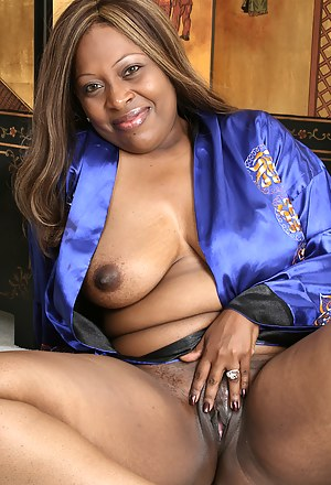 Free Mature Black Pussy Porn Pictures