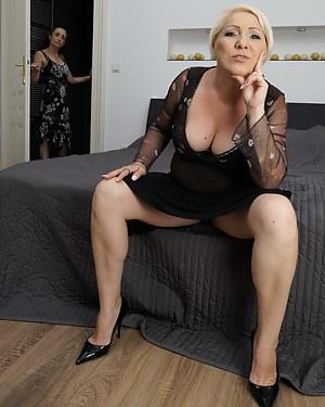 Upskirt pics com