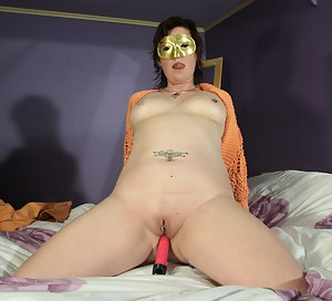 Free Mature Blindfold Porn Pictures