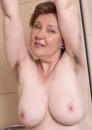 Nackt old free granny bild Free Mature