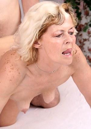 Mature tits porno