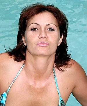 Free Mature Pool Porn Pictures