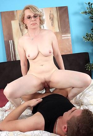 Free Mature Hardcore Porn Pictures