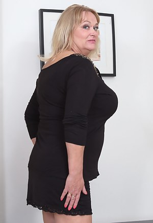 Free Non Nude Mature Porn Pictures