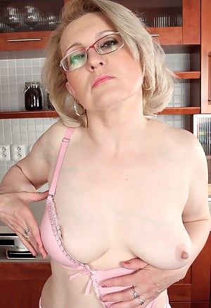 Big Natural Tits Milf Creampie