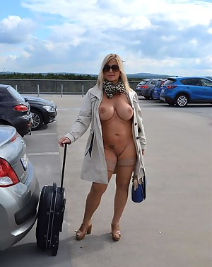 Free Mature Flashing Porn Pictures