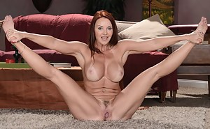 Free Flexible Mature Porn Pictures