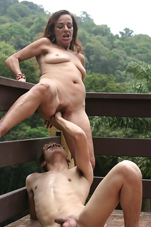 Free Mature Painful Porn Pictures