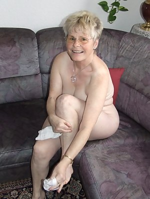 Amuter granny porn