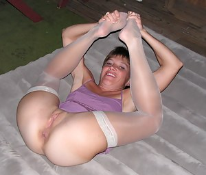 Free Flexible Mature Porn Pictures
