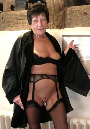 Free Mature Pussy Piercing Porn Pictures