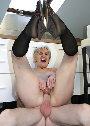 Free Mature Screaming Porn Pictures