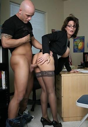 Milf sex fuck stand