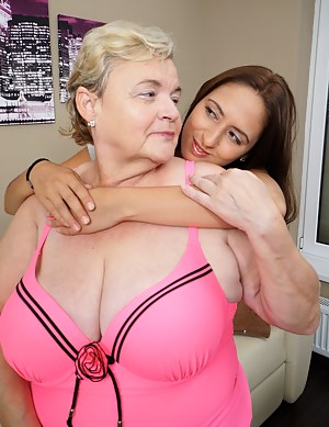 Free Mature and Girl Porn Pictures