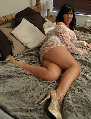 Free Mature Fishnet Porn Pictures
