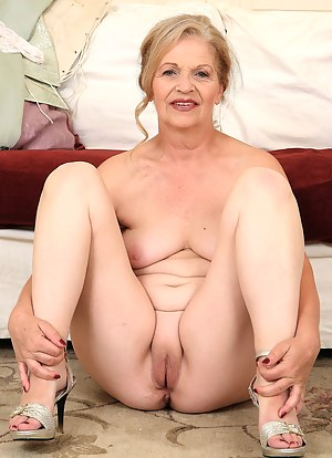 pussys grannies bare